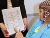 एक फैमिनेइजेशन प्रोटोकॉल इलेक्ट्रोफिज़ियोलॉजिकल रिसर्च में एएसडी वाले बच्चों की भागीदारी की सुविधा देता है thumbnail