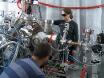 실험 프로토콜에 대 한 펨 NIR/UV-자유 전자 레이저와 진공 극 자외선 펌프-프로브 실험 thumbnail